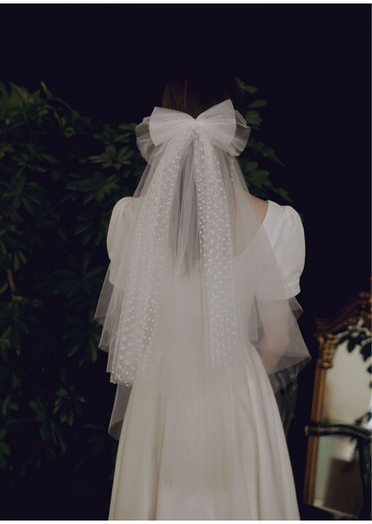 Hannah Veil | Boho Swiss Dot Bridal Bow Short Veil