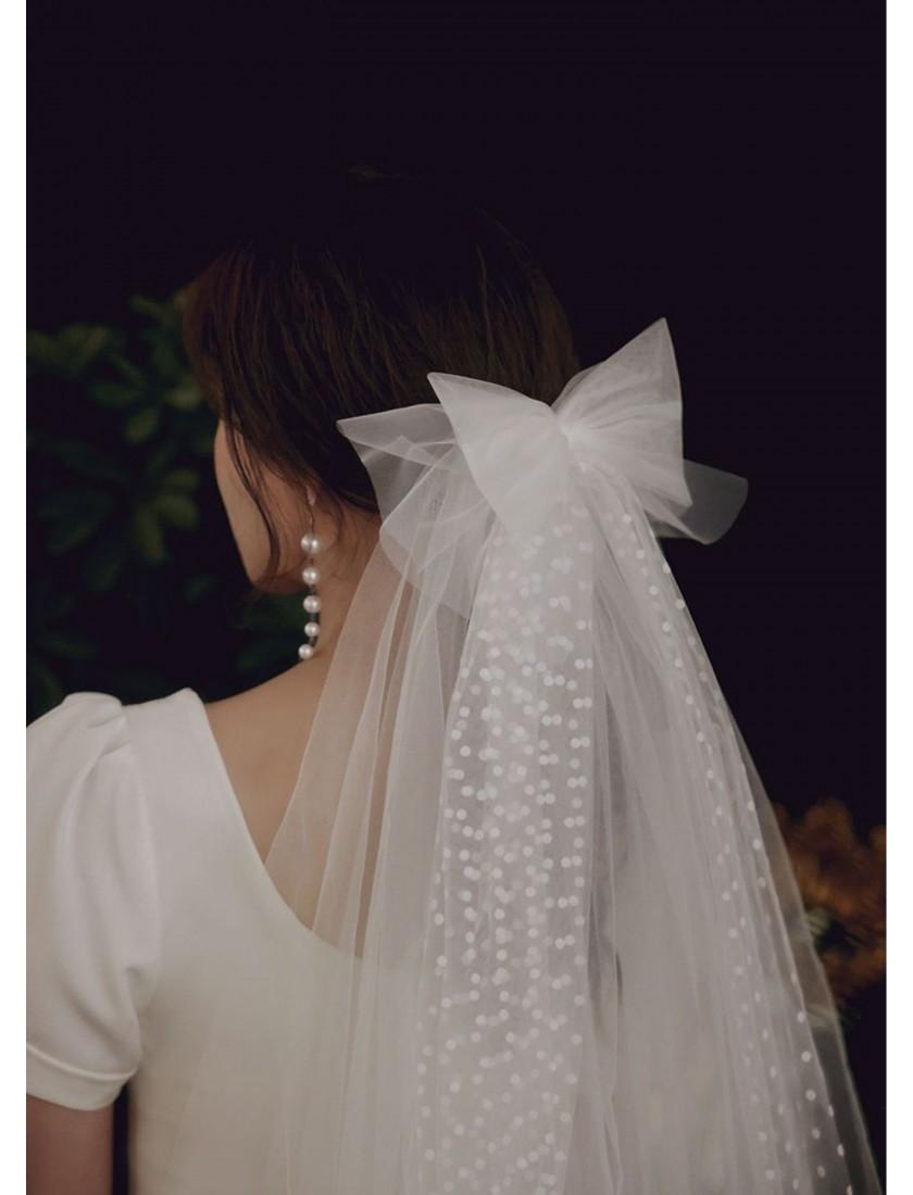 Hannah Veil   Boho Swiss Dot Bridal Bow Short Veil